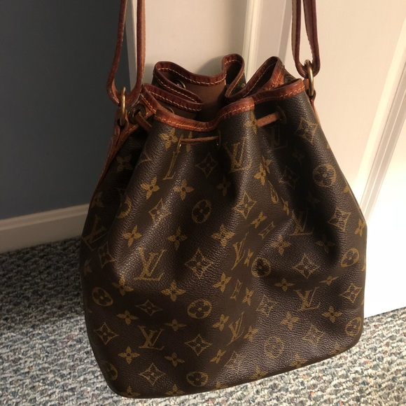 Louis Vuitton Handbags - Authentic Louis Vuitton Handbag Vintage